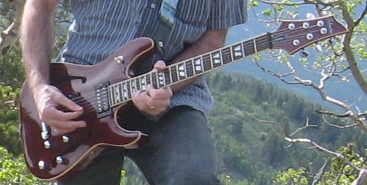 Guitar-Golden-Gate-Canyon